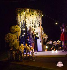 Вечерняя церемония отличное решение для годовщины вашей свадьбы. Ваша свадьба станет по настоящему волшебной с вечерней церемония и нашим световым декором.  Ретрогирлянды дополняют свадьбу ;)  Пишите нам fb.com/mirsvadeb