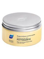 Véritable bain de nutrition, enrichi pour réparer et restructurer les cheveux ultra-secs.