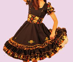 Huasa chilena, Vestidos de china! Clogs Outfit, Fashion Outfits, Womens Fashion, Summer Dresses, How To Wear, Style, Briefs, Traditional Dresses, Dress Shapes