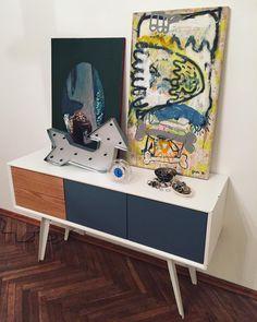 Kiedyś będę miała galerie sztukiNiespodzianki @jakub.glinski mistrz przyjemności. Kocham takie prezenty ❤️ #obraz #art #painting #ithinkyoufreaky #miłanocmiłydzień #2016 będzie spoko #maluneczki #rysuneczki #kubamalarz #behappy ,zegareczek od @paulukiewicz ,obraz2/ @ozogmarta #niekupisztegowsklepie #artist