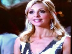 Sarah Michelle Gellar wears PURPLE AURA JEWELS. * STYLESHOPUSAS ENTER TO WIN AN 18K gold or Sterling Silver piece from Purple Aura Jewels. Follow iinstructions at www.styleshopusa.com