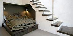 noe under trappen