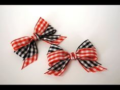 Make an impressive Double Looped Bow with a little help from Gina K on Stamp TV. Suggestions: stitch one of these bows onto your daughter's jacket; attach a hair clip; stitch one onto a plain T-shirt.