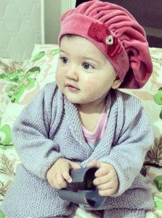 Minha neta fofuxa de boina pink / jahsaude