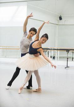 Valentino Zucchetti and Yuhui Choe in rehearsal for Scènes de ballet, The Royal Ballet © ROH/Tristram Kenton, 2014