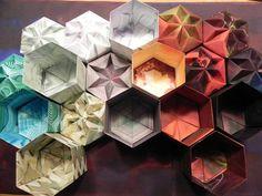 Boxes © Tomoko Fuse  Paper coloured by © Hilli Zenz