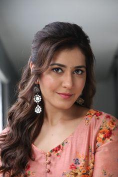 Raashi Khanna stills from Adanga Maru promotions - South Indian Actress Indian Actress Pics, South Indian Actress, Indian Actresses, South Actress, Beautiful Girl Photo, Beautiful Girl Indian, Most Beautiful Indian Actress, Beautiful Images, Pop Design