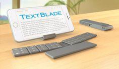 カリフォルニアのスタートアップ WayTools が、スマートフォン/タブレット向けの Bluetooth キーボード TextBlade を発表しました。3つに分離しているキーボード本体は磁石で合体し、自動で電源が入るしくみです。また収納ケースはタブレット/スマートフォンスタンドにもなります。