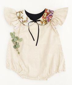 Handmade Floral Collar   BillyBibs on Etsy