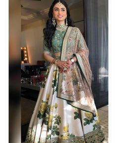 Indian Gowns Dresses, Indian Fashion Dresses, Dress Indian Style, Indian Designer Outfits, Bridal Dresses, Indian Wedding Dresses, Wedding Lehnga, Indian Fashion Trends, Indian Weddings