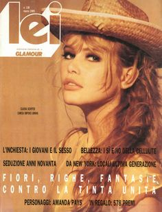 Lei Glamour Italia Claudia Schiffer by Ellen von Unwerth Claudia Schiffer, Ellen Von Unwerth, Natalia Vodianova, Fashion Idol, 90s Fashion, High Fashion, Cindy Crawford, Heidi Klum, Fashion Magazine Cover