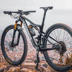 Downhill Bike, Mtb Bike, Road Bike, Best Mountain Bikes, Mountain Biking, Montain Bike, Bike Frame, Bike Art, Bicycle Design