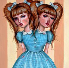 http://www.audreypongracz.com/shop/originals/originals.html    Surrealismo pop. Muñecas ilustradas.