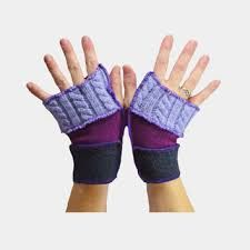 Upcycled Fingerless Gloves Wool Purple and Violet Eco Friendly Fingerless Gloves, Flirting, Art Dolls, Knitting Patterns, Knit Crochet, Upcycle, Wool, Purple, How To Make