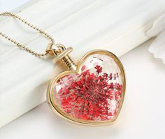 New design heart shape necklace /  popular jewelry made from pressed flowers