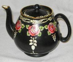 Shelley England Black Earthenware Tea Pot.. Absolutely love this, so me.