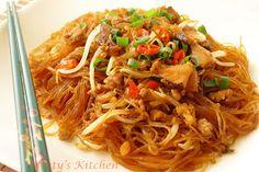 Minty's Kitchen: Fried Glass Noodles