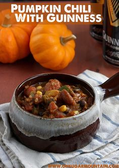 How do you make chili better? Throw in pumpkin and plenty of Guinness! This Pumpkin Chili with Guinness is sure to be your new favorite Fall/Winter meal. Beer Recipes, Irish Recipes, Chili Recipes, Fall Recipes, Seafood Recipes, Soup Recipes, Cooking Recipes, Guinness Recipes, Vegan Chilli Recipe