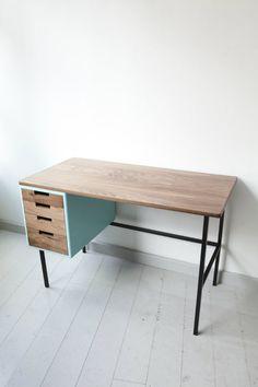 A.V. Desk: a little touch of light blue! Design from Ola Leander.   Een tikje lichtblauw!