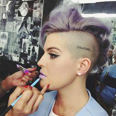 "Kelly Osbourne on Instagram: "" Creating new LKs with @dendoll  #lavenderlipswithblueliner"""