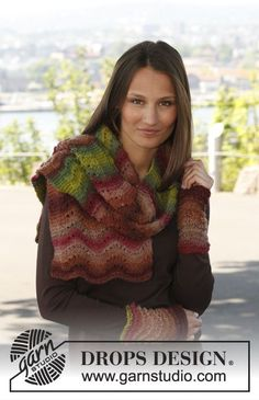 "Free pattern: Knitted DROPS scarf and wrist warmers in wave pattern in ""Big Delight ""."
