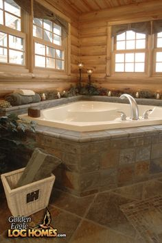 Custom Double Eagle Deluxe 2668AL - Master Bath Suite <nobr>(View 1)</nobr>