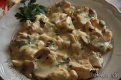 Reteta Piept de pui cu ciuperci si smantana din categoria Sosuri Romanian Food, Romanian Recipes, Breast Recipe, Mashed Potatoes, Yummy Food, Meals, Chicken, Cooking, Ethnic Recipes