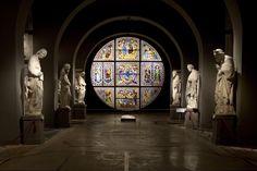 Museo dell'Opera metropolitana del Duomo (al centro la vetrata di Duccio). Foto di ShayneKH su http://www.flickr.com/photos/shaynehodgkin/8486844024