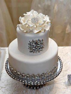 31 Best Ideas Wedding Cakes Elegant Sparkle wedding cakes cakes elegant cakes rustic cakes simple cakes unique cakes with flowers Bling Wedding Cakes, Bling Cakes, Small Wedding Cakes, Elegant Wedding Cakes, Elegant Cakes, Beautiful Wedding Cakes, Gorgeous Cakes, Fancy Cakes, Pretty Cakes