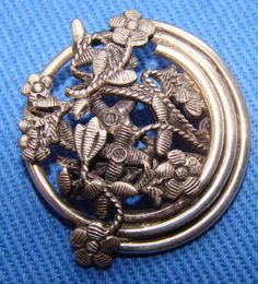**GORGEOUS ANTIQUE BUTTON FANCY SILVER CUT OUT FLOWERS - VERY NICE!**