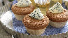 Oppskrift på Pepperkakemuffins med blåmuggost, foto: Mini Cupcakes, Scones, Harvest, Muffins, Recipies, Food And Drink, Sweets, Baking, Breakfast