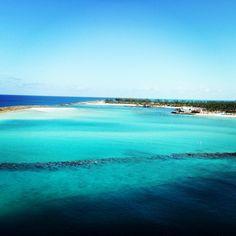 Beach in the Bahamas  http://www.stopsleepgo.com/vacation-rentals/Commonwealth-of-The-Bahamas