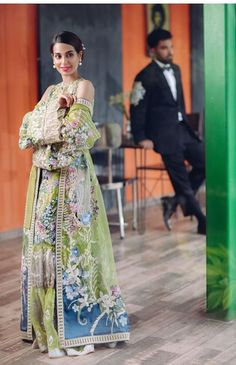 Iqra Aziz's latest photo shoot with fiancé Yasir Hussain - The Odd Onee Pakistani Lawn Suits, Pakistani Dresses Casual, Formal Dresses, Iqra Aziz, Pakistani Actress, Indian Designer Wear, Beautiful Couple, Indian Outfits, Celebs