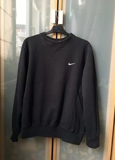 Kup mój przedmiot na #vintedpl http://www.vinted.pl/damska-odziez/bluzy/15888570-czarna-bluza-nike-tumblr-basic-sport
