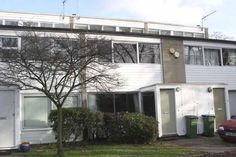 On the market: 1960s Eric Lyons-designed Span House in Blackheath, London SE3 on http://www.wowhaus.co.uk