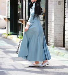 Bebe mavisi elbise modelimiz  Sipariş için whatsaap 05321138995 veya dm  Boy 135 cm  Bedenler 36 38 40  Kumaş viskon  Yazlık iç belli etmez ve ceplidir  Kemer dahildir  Fiyat 215 tl kargo ücretsiz Kartla alımlar için www.butikgez.com  #hijabstyle #hijabfashion #hijab #fashionblog #fashionaddict  Fotograf :  @canasici