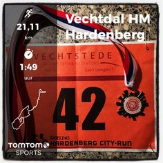 Vechtdal halve Marathon in Hardenberg. 21,1 km pacen voor Ysbrand Visser in 1:48:56