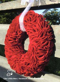 Prachige rode vilten krans