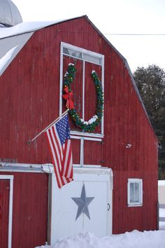 Horseshoe wreath on barn
