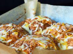 til matpakker og tur Dere, Lasagna, Pizza, Ethnic Recipes, Food, Essen, Meals, Yemek, Lasagne