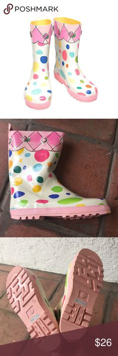 NWT Kidorable Rain Boots UK size 6Y Hi! I uncovered this pair of never-used Kidorable rain boots I bought on Gilt for my daughter. However, these are a U.K. size 6Y; they are way too big for her! I can fit my size 7 adult feet into them. There is a size chart, which I'll make another post for, I guess. I ordered the size mistakenly, but I want you to know what size you're getting! There is a small flaw on one boot as well, see pic 2. It came that way. It's going to rain for a while: wear…