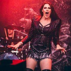 Punk Women, Goth Women, Female Guitarist, Female Singers, Heavy Metal Girl, Ladies Of Metal, Women Of Rock, Symphonic Metal, Power Metal