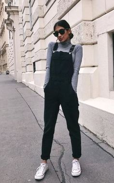 The grey sweater is a wardrobe staple as it can be worn in dozens of different ways. Check out some super stunning grey sweater outfits, both casual and dressy. Cute Casual Outfits, Girly Outfits, Classic Outfits, Summer Outfits, Classy Outfits For Teens, Cute Overall Outfits, Summer Ootd, Vintage Style Outfits, Stylish Outfits