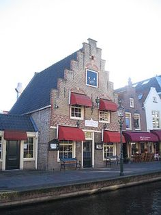 Fraai pandje aan de Zuidvliet gedateerd 1649