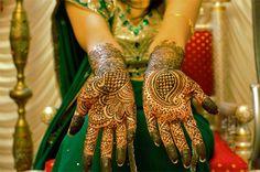 Hindistan' dan İnanılmaz El ve Ayak Kınası Desenleri