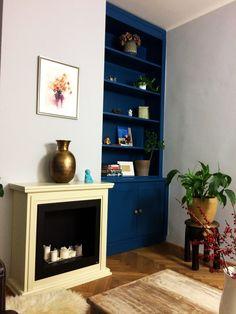 Modrá knihovna. Knihovna z masivu, kterou jsme vyrobili na zakázku. Custom bookcase. Bookcase, Shelves, Home Decor, Shelving, Decoration Home, Room Decor, Book Shelves, Shelving Units, Home Interior Design