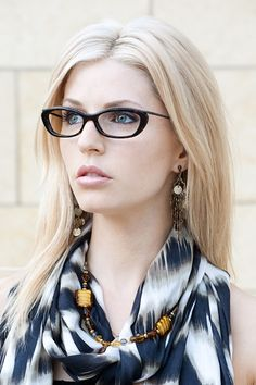 Pulling off the sophisticated interview look in these bold frames!