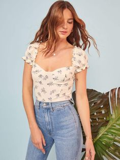 Reformation Jewel Top New Spring tops are here. Indie Outfits, Trendy Outfits, Girl Outfits, Cute Outfits, Teen Style, 90s Fashion, Fashion Outfits, Vogue, Moda Vintage