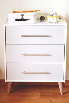Furniture Shipping From India To Usa Refferal: 5711745675 Hack Commode Ikea, Ikea Rast Nightstand, Ikea Dresser Makeover, Hemnes, Furniture Projects, Home Furniture, Furniture Stores, Kitchen Furniture, Kitchen Interior
