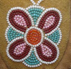 Cree beaded design -- www.redstar-tradingpost.com